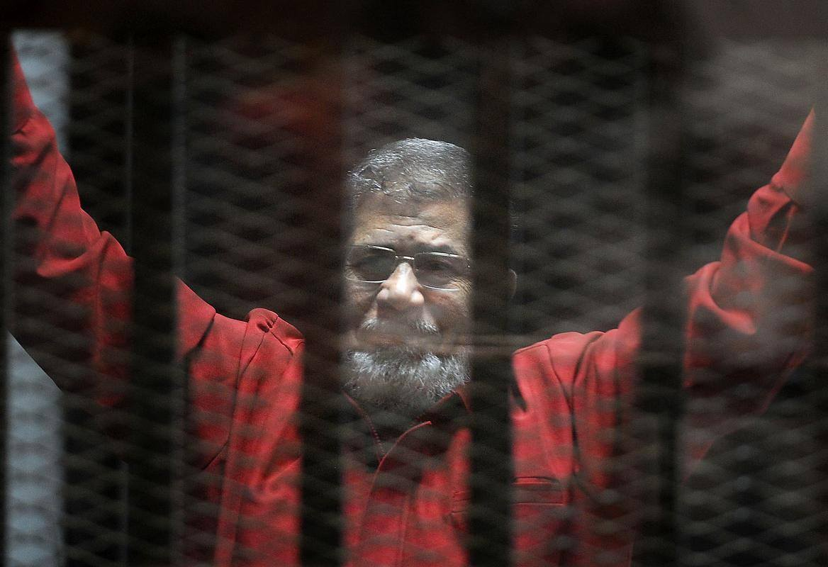 President Morsi in today's session: I reject this trial and I'm with the rebels even drop the coup